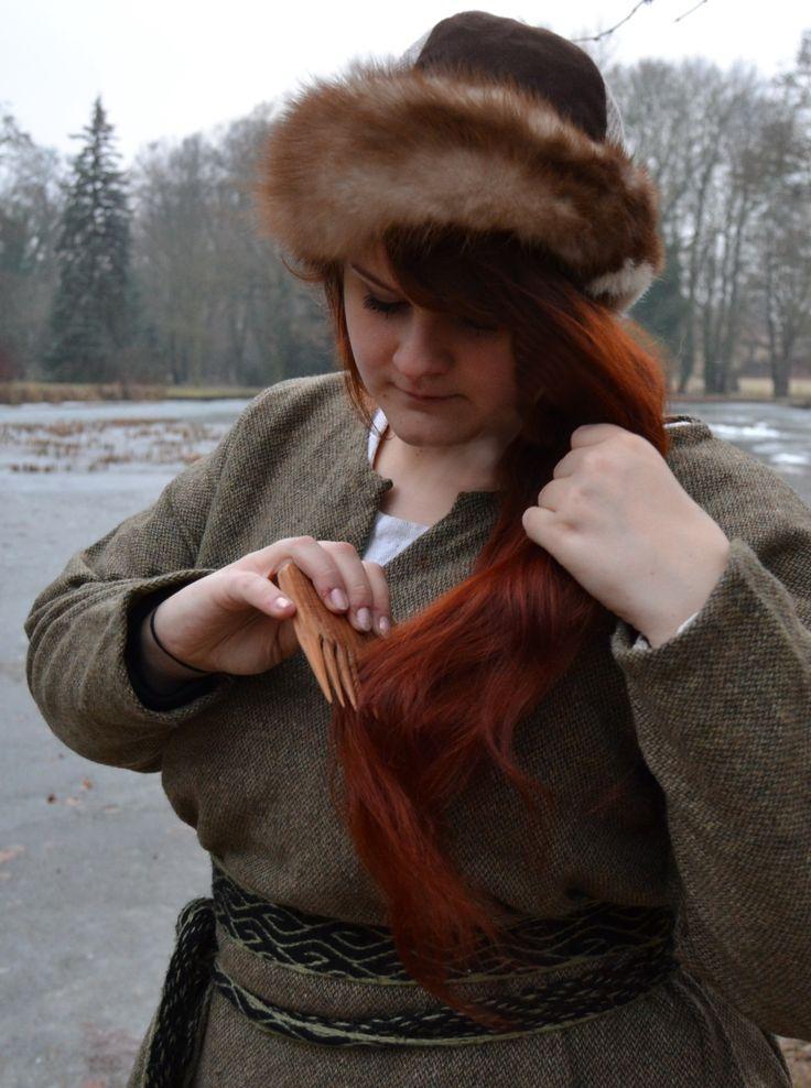 early medieval cap / woolen belt / clothing