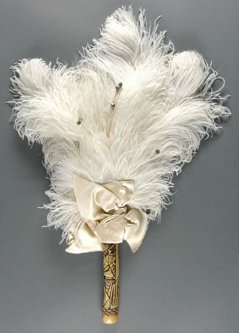 Abanico de plumas estadounidense de 1885.