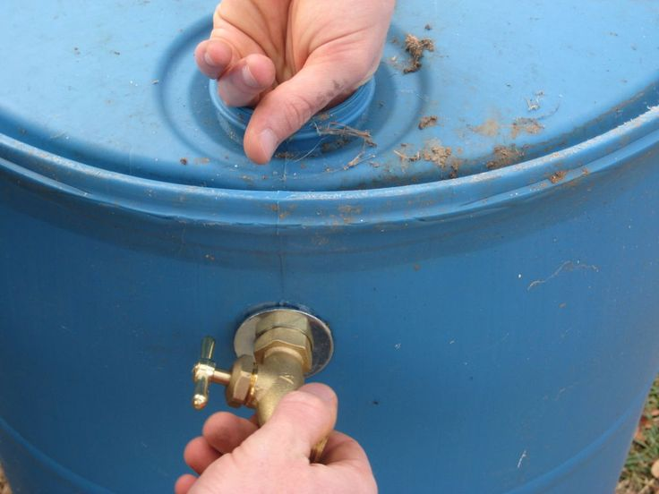 diy rain barrel instructable with ideas of where to find barrels for less