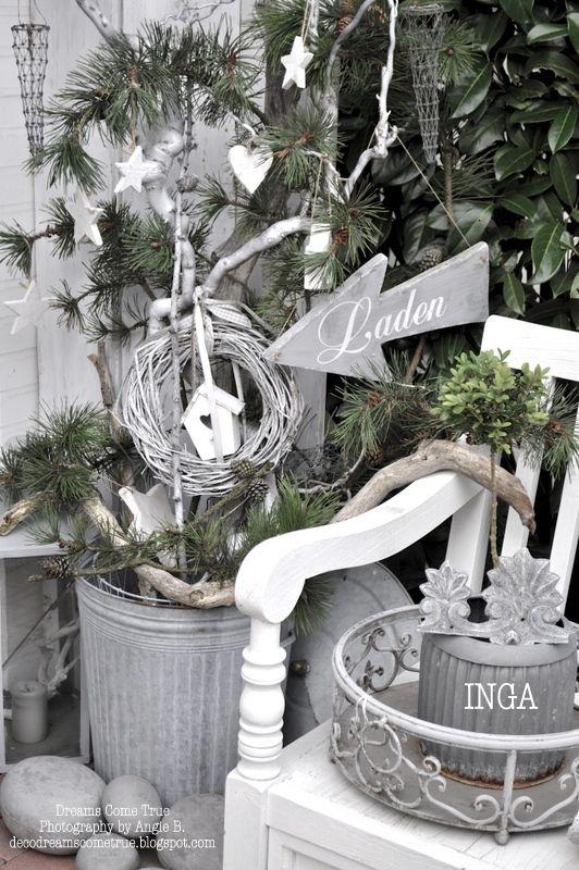 Liebe Mädels,     heute habe ich ein Paar Bilder aus Ingas Laden für euch.   Diesmal viele schöne Deko-Ideen im Außenbereich...:-)     E...