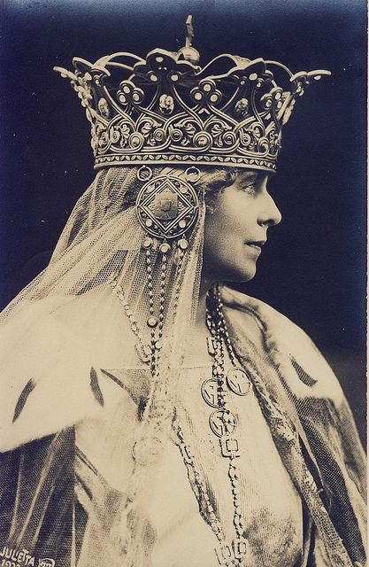 Marie of Romania (Marie Alexandra Victoria, previously Princess Marie of Edinburgh; 29 October 1875–18 July 1938)   was Queen consort of Romania from 1914 to 1927, as the wife of Ferdinand I of Romania.