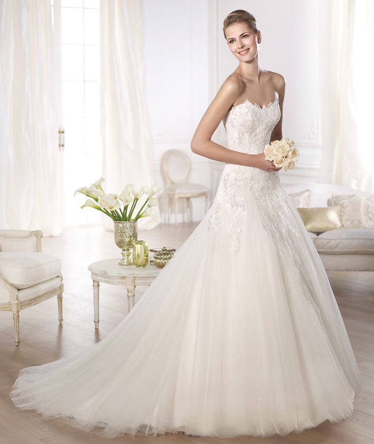 Pronovias OBERTI Petit Pois Tulle Dress With Sweetheart Neckline And Princess Skirt Godets Bodice Cascading Lace Embroidered