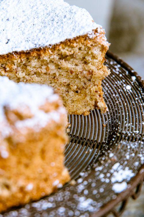 Mandelkuchen mit Orangenabrieb - ohne Mehl mit reichlich Eiern, aber ohne Butter - mal was anderes - http://kuechenchaotin.de/glutenfreie-woche-tag-5-ein-mandel-orangen-kuchen-rezept/