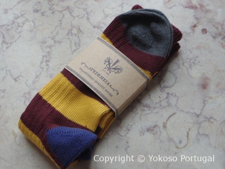RamsésとPedemeiaは、ポルトガルで伝統的な製法で作られる高品質の靴下のブランドです。 両ブランドをマネージするA.J. Gonçalves社は、1966年創業以来、男性、女性用、子供用の靴下とタイツのみを生産し続けています。 中国などで大量生産される靴下よりもお高くなっておりますが、顧客満足を第1