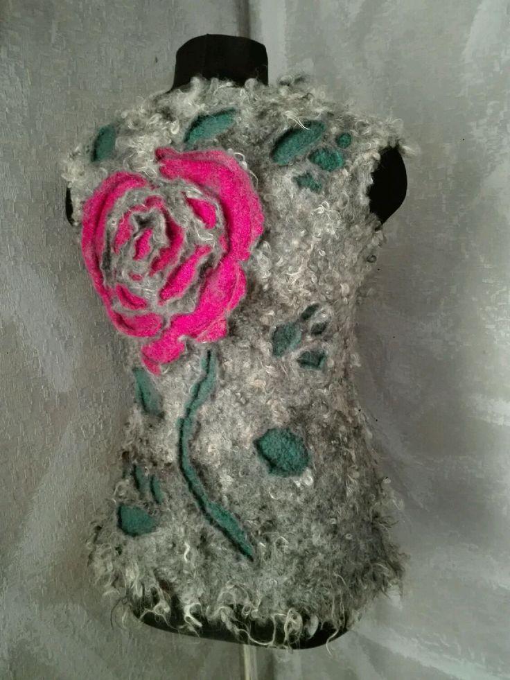 """Купить Валяный жилет из флиса """"Чайная роза"""" - серый, жилет, валяный жилет, войлочный жилет"""