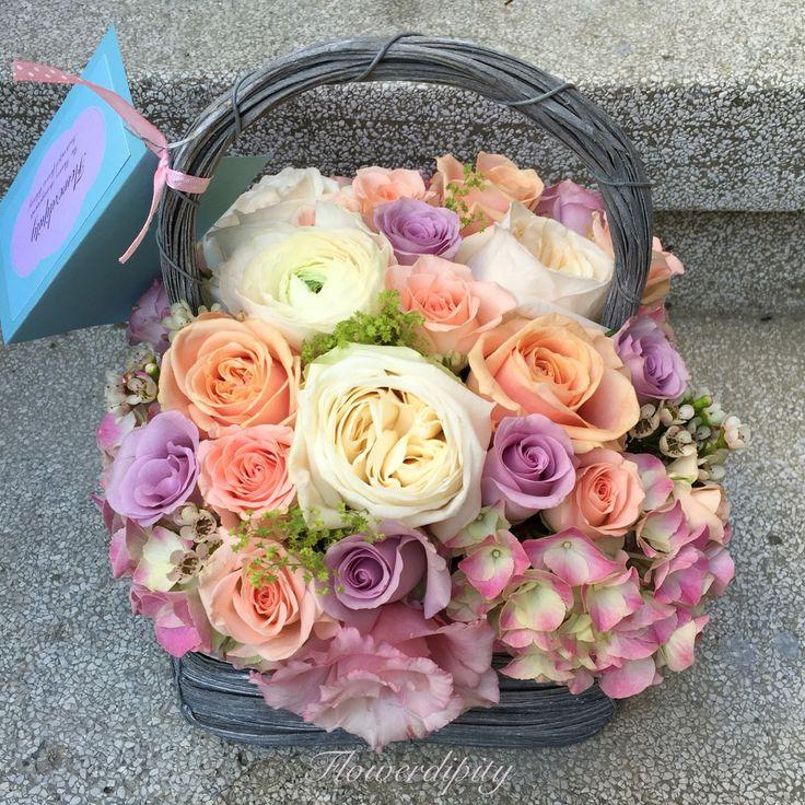 La Jardiniere #ranunculus #roses #peach #lila #white #flowers #jardiniere #flowerdipity #corporate #delivery