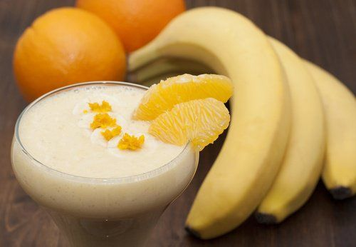 Batido de banana y naranja