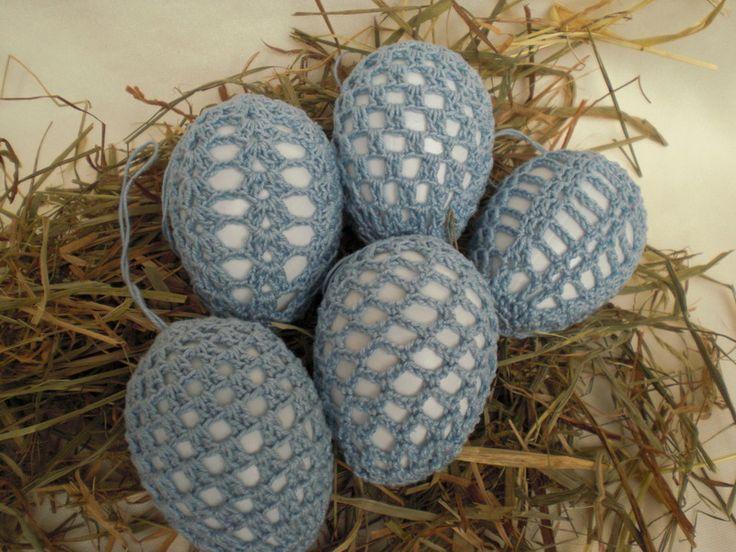 umhäkelte+Ostereier+in+hellblau+von+Pfiffiges+aus+Heu,+Wolle+und+Holz+auf+DaWanda.com