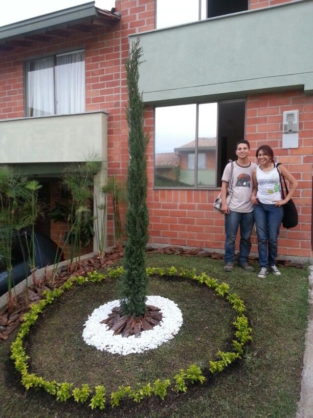 Con los artistas Ángela y Mauricio