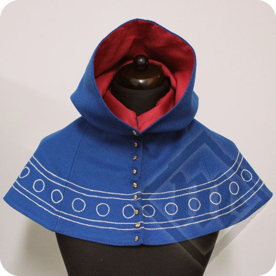 Medieval Embroided Ladies Hood with Brass Buttons by LadyMalinaCom