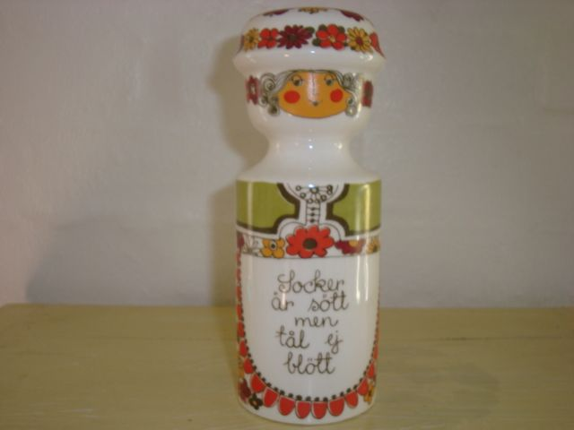 "FIGGJO FLINT ""Folklore"" 1970s - TURID GRAMSTAD OLIVER. #figgjoflint #folklore #turgramstadoliver #porcelain #dinnerware. From www.TRENDYenser.com.SOLGT/SOLD"