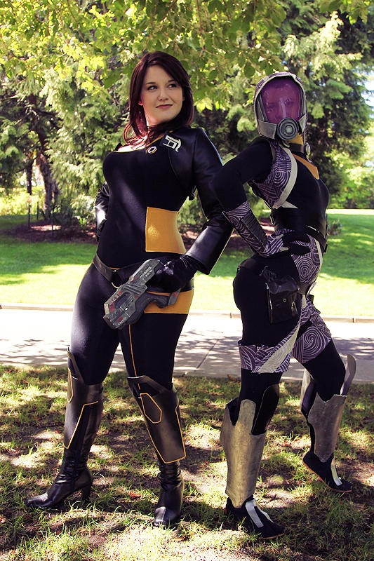 My Miranda (https://twitter.com/masterwaffle) and @tea_bird's (https://twitter.com/tea_bird) Tali, photo by @regeener (https://twitter.com/regeener)