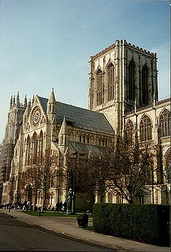 York Minster - Wikipedia, the free encyclopedia  Jaw dropping building to tour!