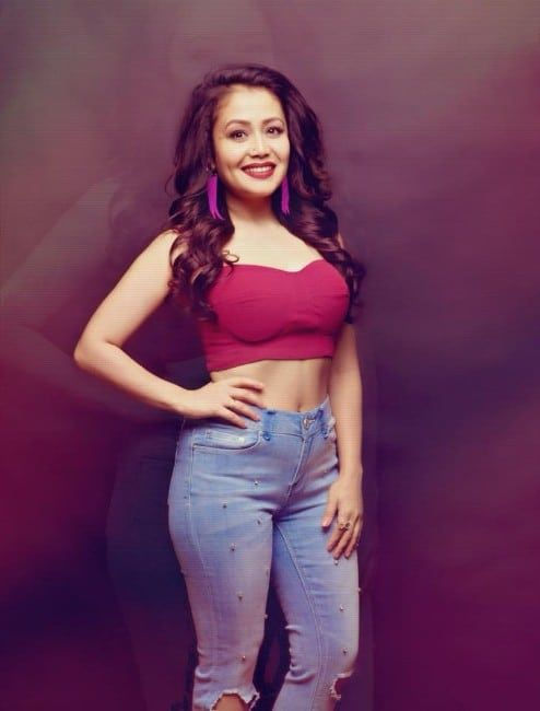 Neha Kakkar Sexy Navel Show In Red Top