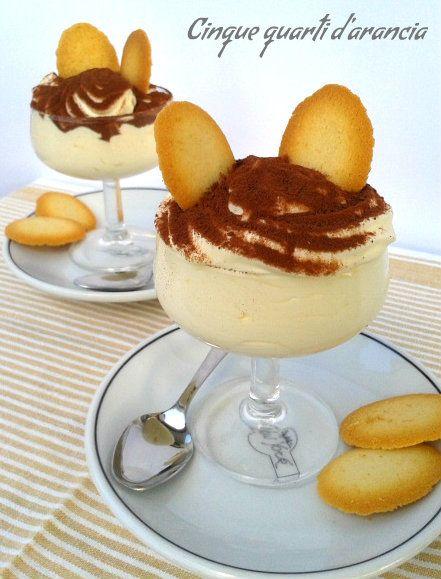 Buongiorno a tutti!!Oggi vi presento la crema di mascarpone,un dolce classico per tutte le stagioni, adatto anche all'estate in quanto non necessita di c