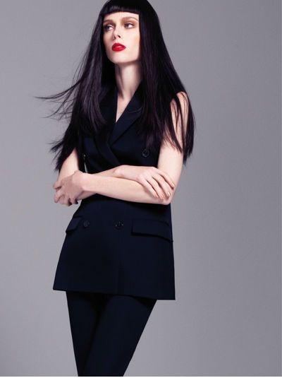 Харизматичная Коко Роша на страницах декабрьского Elle Vietnam