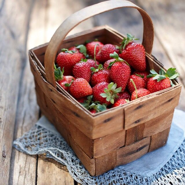 Okay, so it's officially Spring, thank goodness for that. Only around 45 sleeps until strawberry season!  #Beerenberg #BeerenbergFarm #BeerenbergStrawberryFarm #Strawberries #BringOnSpring