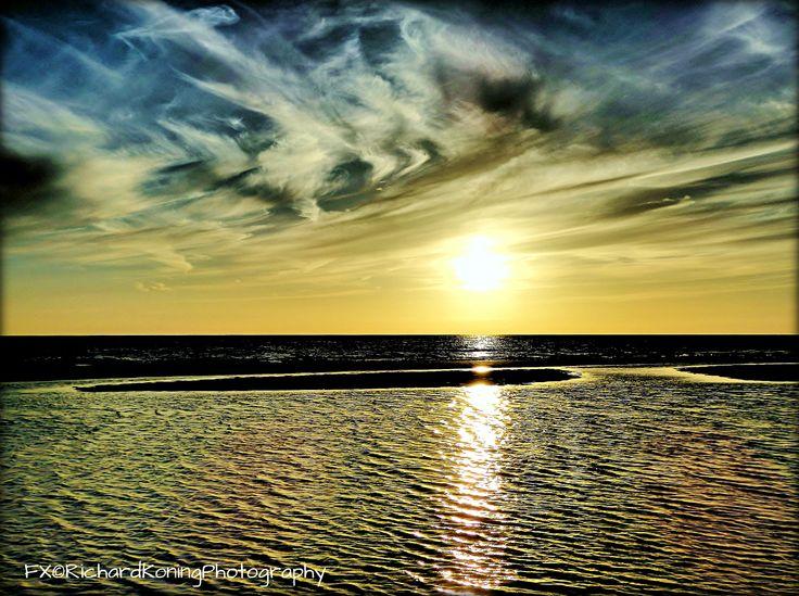 zandplaat bij zonsondergang [egmond aan zee]