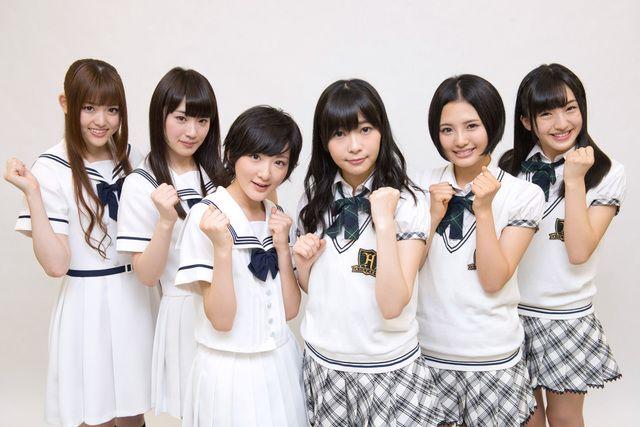 左から松村沙友理、高山一実、生駒里奈(以上乃木坂46)、指原莉乃、兒玉遥、田島芽瑠(以上HKT48)。