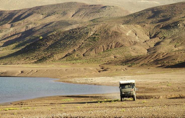 Skipperditerra col suo #Unimog 406 in #Marocco - Lago di #Imilchil.