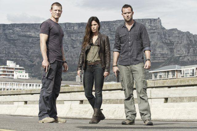 Still of Rhona Mitra, Sullivan Stapleton and Philip Winchester in Strike Back (2010)