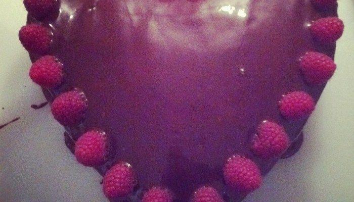 Chocoladetaart met frambozenvulling