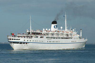 SHIPS & THE SEA - BLOGUE dos NAVIOS e do MAR: Paquete Funchal