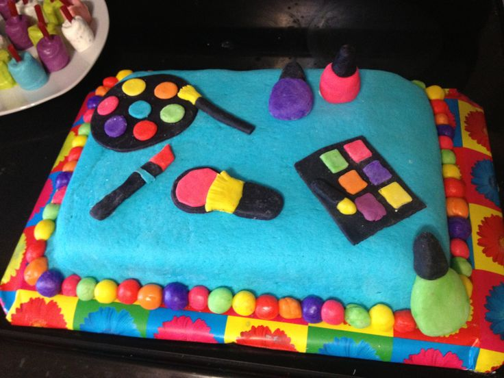 My baby girl's 8 th birthday cake. We had a glamour party
