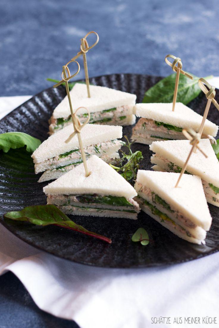 Diese feinen Tramezzini mit Thunfisch oder Lachs sind schnell gemacht, schmecken köstlich und sind ideal beispielsweise für die Party oder als Abendessen.