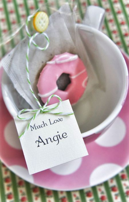 Tea and biscuit. Wedding favour ideas for under £1 #wedding #favour #budget #cheap
