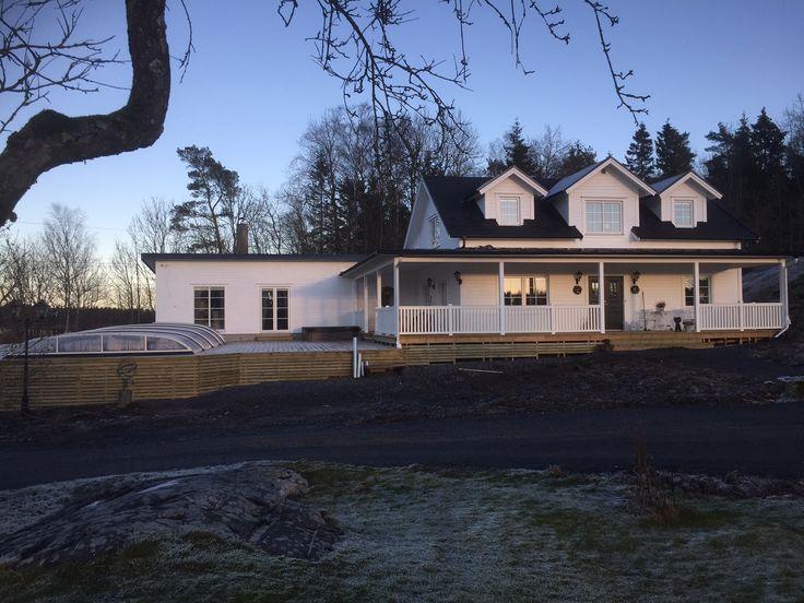 Nybyggd villa med altanräcke New Piteå