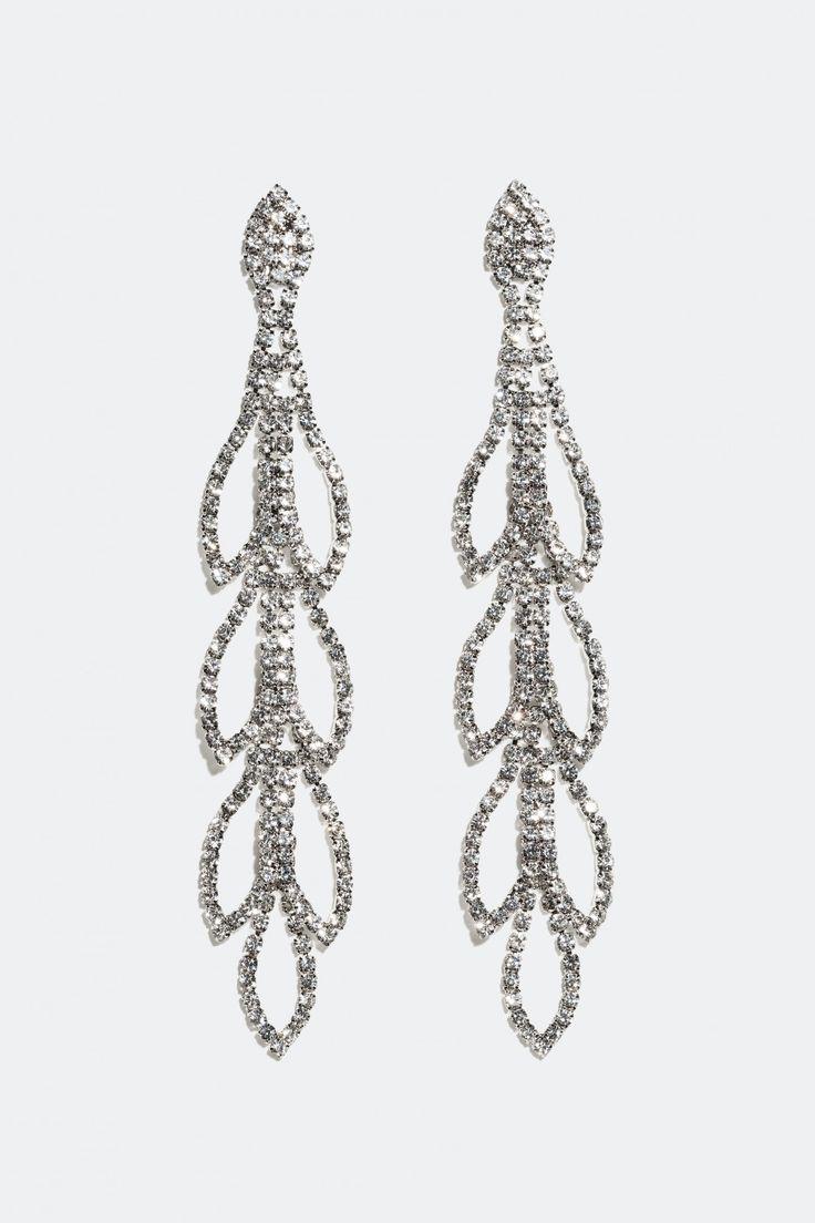Shoppa örhängen, långa, utsmyckat med strass online hos Glitter.se!