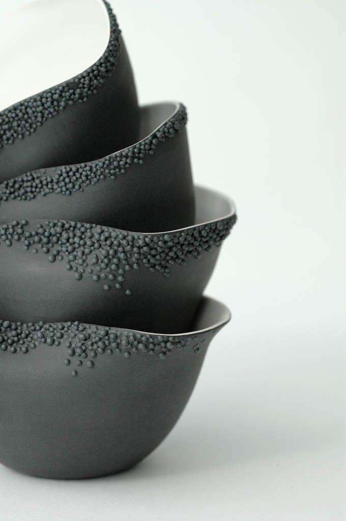 Simple but very effective design. Jeanette Cloum: Les porcelaines de Clémentine Dupré.