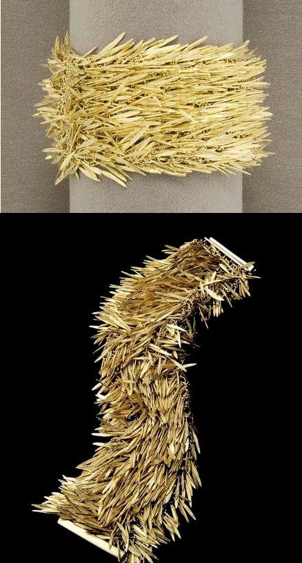 "H. STERN- Bracelet (""feathers"") 18k gold Bracelet ""plumes"" or 18kt"