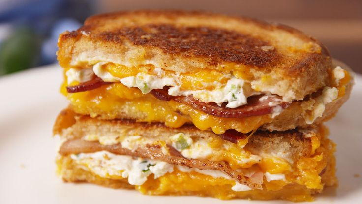 Jalapeño Popper Grilled Cheese. Looks so yummy and super easy to make