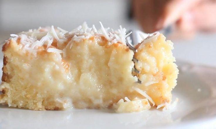 Ce n'est pas pour rien que ce gâteau fait le tour du web! Réaliser ce dessert à la noix de coco en quelques secondes seulement !