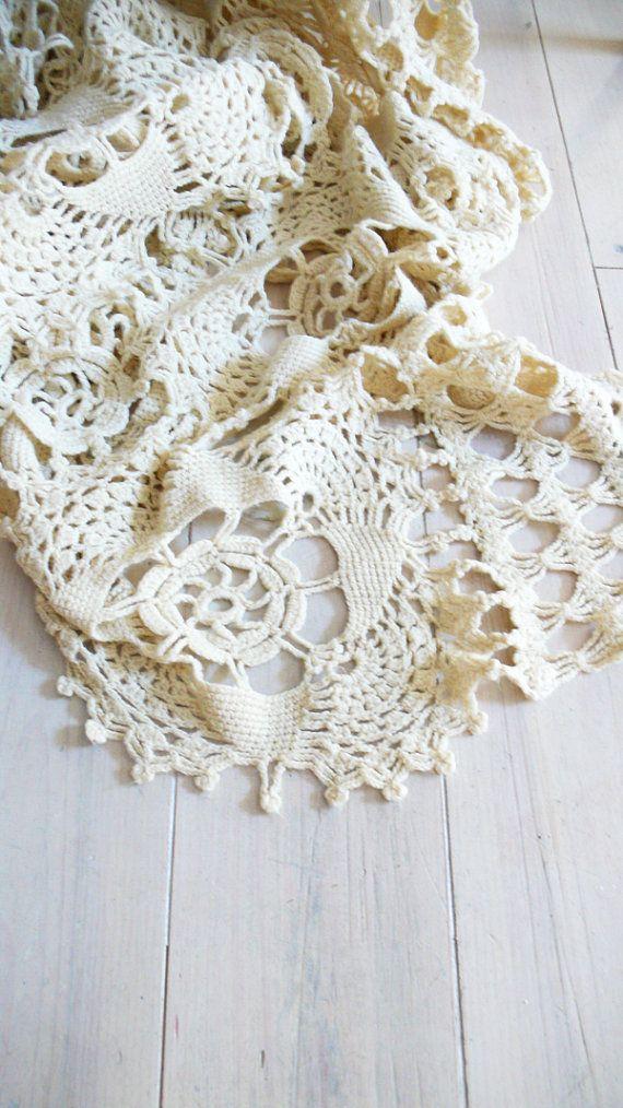 les 25 meilleures id es de la cat gorie couvre lit en crochet sur pinterest mod le de couvre. Black Bedroom Furniture Sets. Home Design Ideas