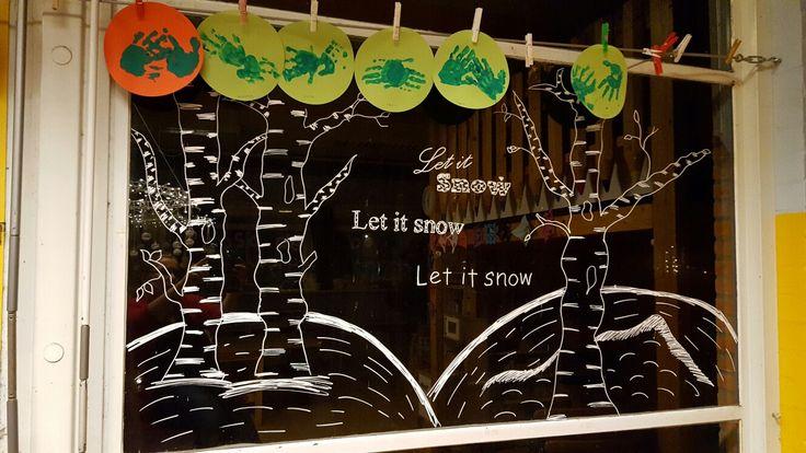 Raamschildering, let is snow landschap, krijtstift