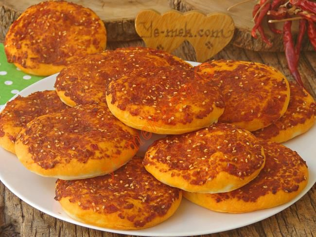 Hatay yöresinin en özel kahvaltılıklarından, yumuşacık ve lezzetli bir tarif...