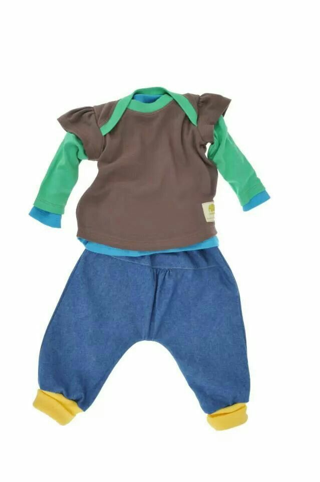 Baby t shirt and trouser in organic cotton.