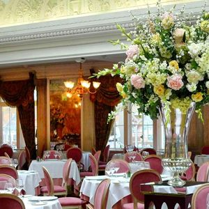 Afternoon High Tea at Harrods London, this is where Michelle and I went last time I was in London <3
