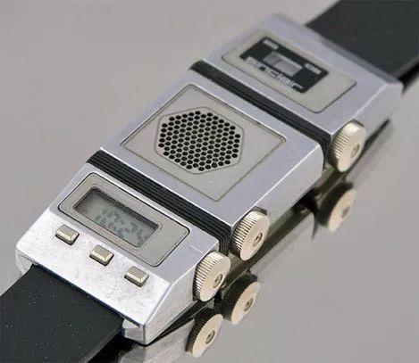 1985 - Sinclair radio watch