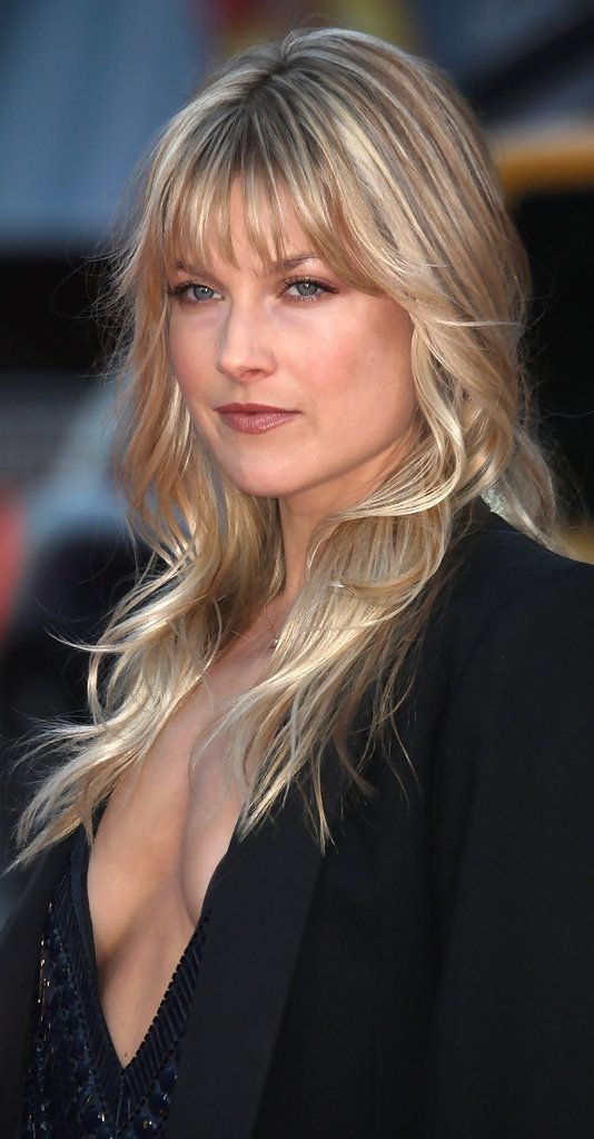 Poshly exhilarating Ali Larter ...  Select Beauty...   Larter next appeared as Zerelda Mimms in the western comedy American Outlaws. Directed by Les Mayfield and co-starring Colin Farrell and Scott Caan, the movie was poorly received by critics