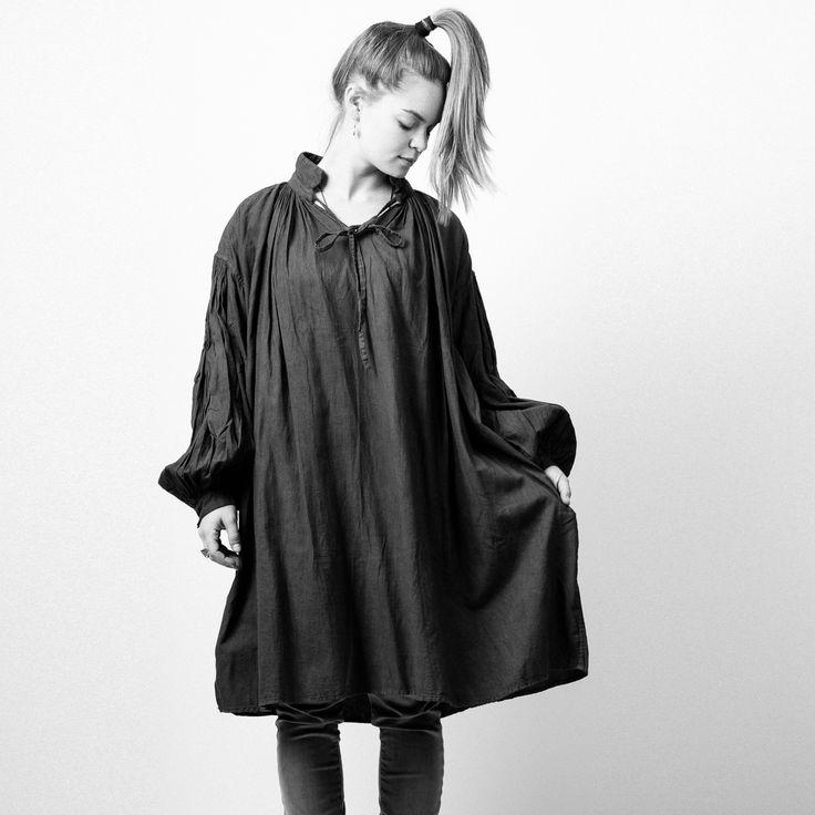 Photo of Dana wearing a tamami watanabe® cotton tunic, shot for @wabizest by Brabet Photo.