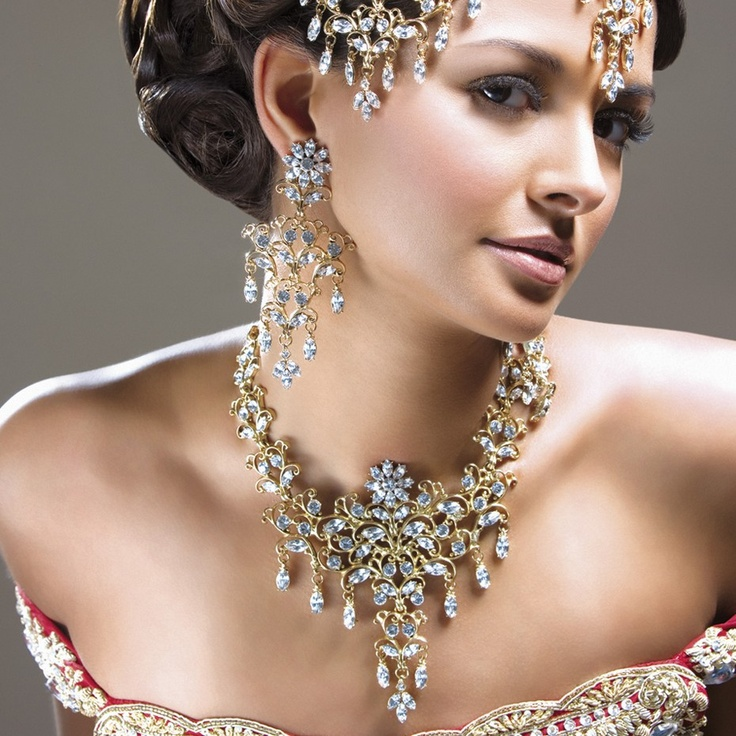 .Indian Jewelry, Beautiful, Gorgeous Indian, Custom Jewelry, Indian Clothing, Bridal Jewelry, Fashion Quotes, Necklaces, Celebrities Engagement Rings