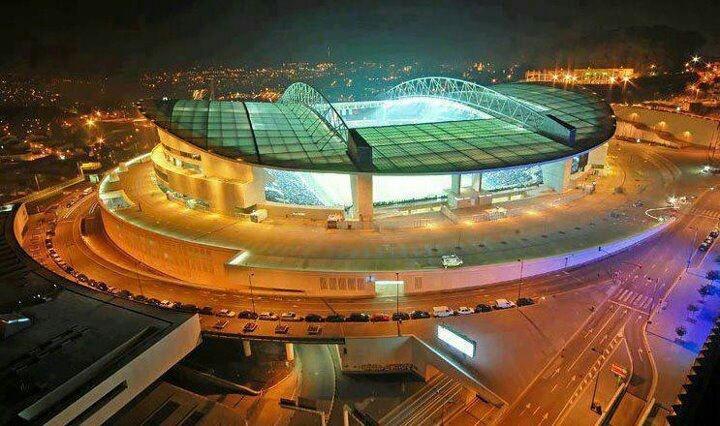 """Dragon"" Soccer Stadium (F.C. Porto) #Portugal (photo by Filipe Botelho) | Pinterest | Portugal ..."