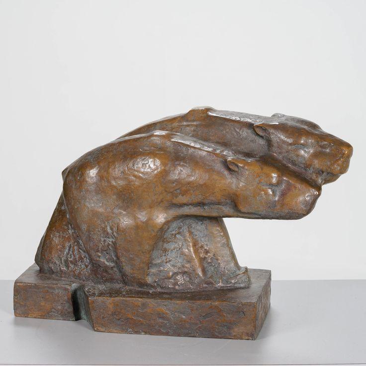 Armas Hutri, signeerattu 1985, k 37 cm, l 53 cm, s 26 cm.