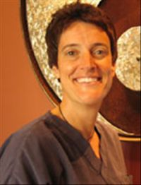 http://drloricardellino.jimdo.com/dr-lori-cardellino-best-dentist-for-you-minor-cosmetic-procedures/ Dr. Lori Cardellino Best dentist in Ventura, CA 93003.Are you looking for the best cosmetic dentist because you need help with your smile? It is a widely acknowledged fact that even minor improvements to your smile will make you far more attractive than before.
