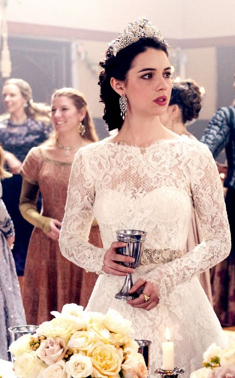 Adelaide kane on reign mary39s wardrobe pinterest for Reign mary wedding dress