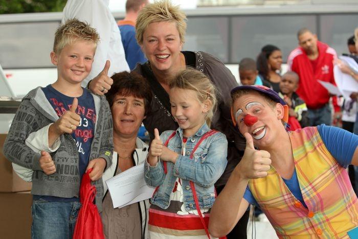 Roparun Kinderdag.  Tijdens de Roparun Kinderdag worden kinderen uit kinderziekenhuizen uitgenodigd om samen met hun ouders, broertjes en zusjes een leuke dag te beleven.